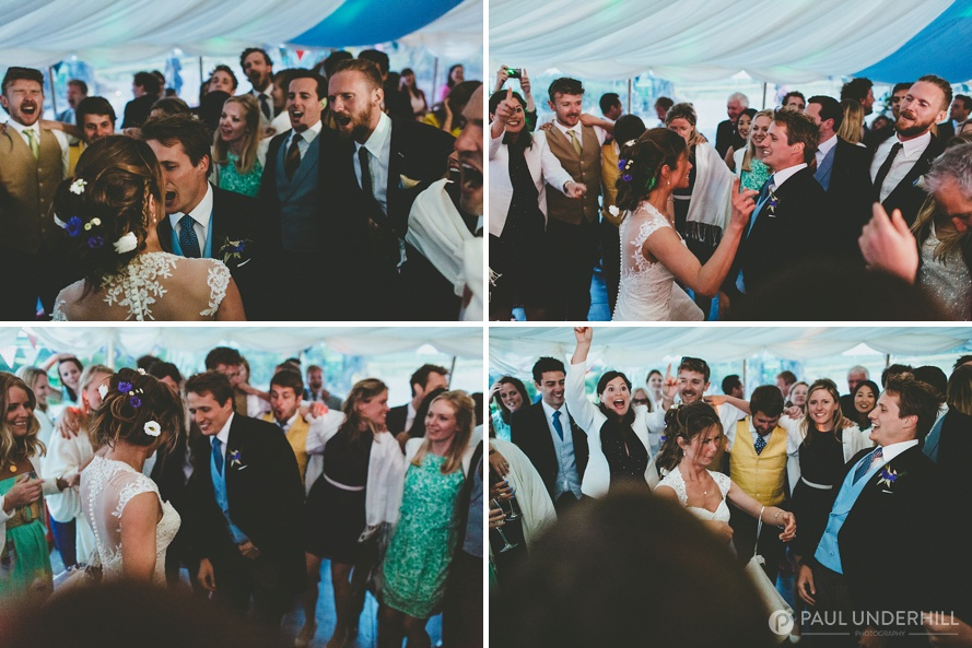 Reportage wedding photography guests dancing