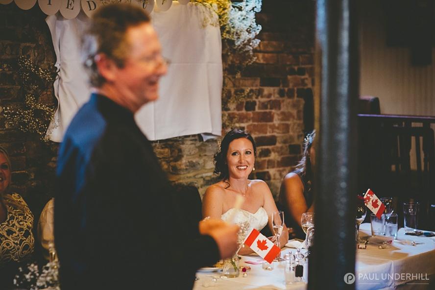 Reportage photo of bride