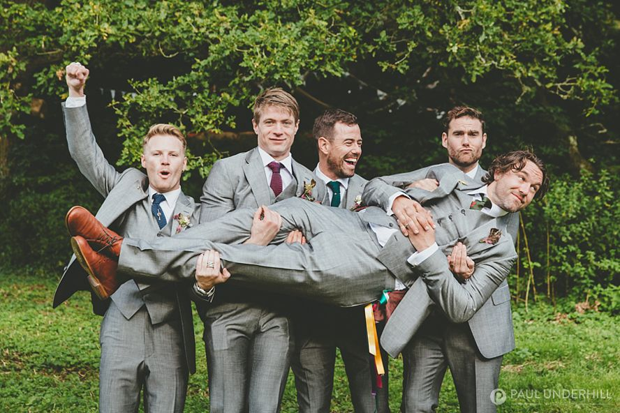 Alternative portraits groom and groomsmen